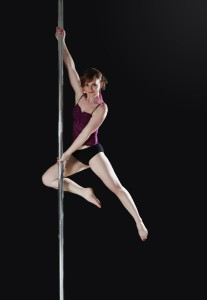 Daniela_Pole_dance_full_bricket