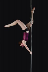 Daniela_pole_dance_butterfly