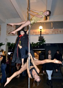 alex_poleartbestar_trio_on-pole